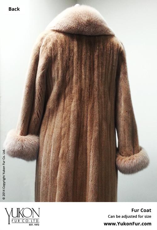 Yukon_Fur_coat_new4_back