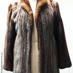 Yukon_Fur_coat_two-tone_front