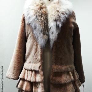 Yukon_Fur_coat_Cecillia_front