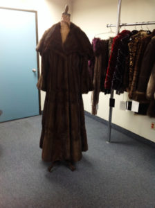 YukonFur_furs_coat_store_shop_Toronto_Canada_17_brown_mink